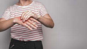 dolore mano